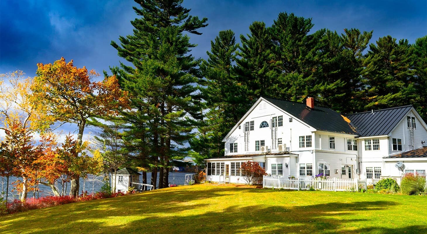 Exterior of the Wolf Cove Inn during fall