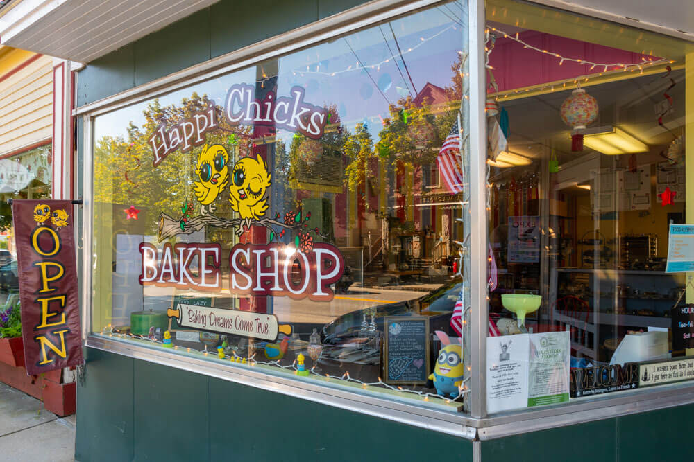 Happi Chicks store front in Norway Maine