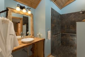 Luxury Bathroom in the cabin