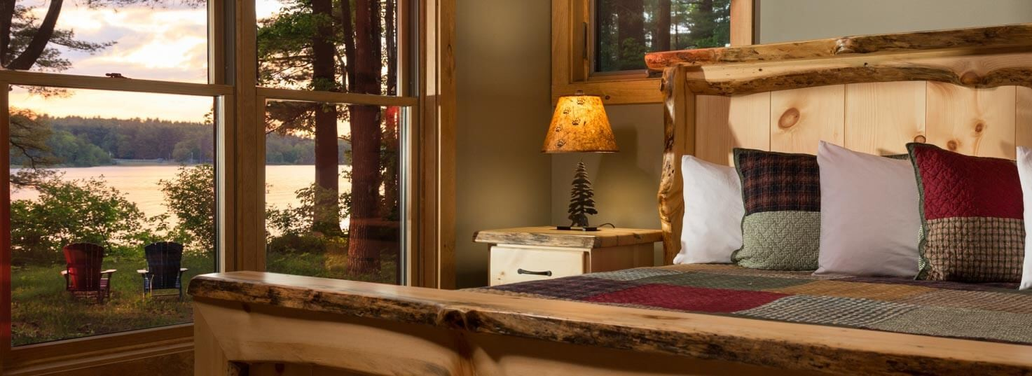 A cabin room at Wolf Cove Inn