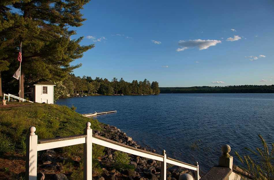 lakefront getaways in Maine