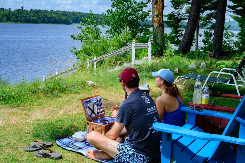 Maine Lakeside Picnic At Wolf Cove Inn
