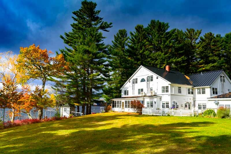 Wolf Cove Inn in Poland Maine